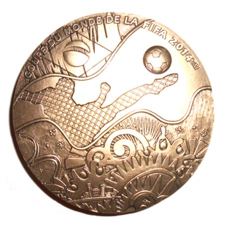 (FMED.Méd.MdP.CuSn30.1.135) Médaille bronze - Coupe du monde de football Avers