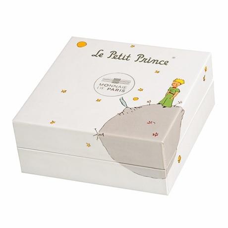 (FMED.Méd.couMdP.10011264980P00) Médaille de cou Au - Le Petit Prince couché dans herbe (écrin fermé)