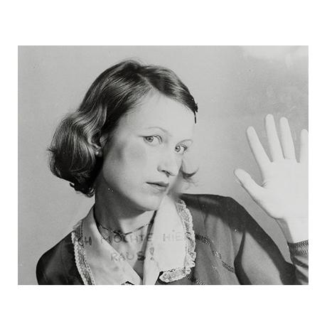 (FMED.Méd.even._2017_.CuNi1) Jeton événementiel - Women House, par Birgit Jürgenssen (visuel complémentaire)