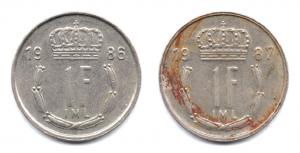 (LOT.W135.100.1986et1987.1.000000001) 1 Franc Grand-Duc Jean de Luxembourg, initiales IML au revers (zoom) Revers