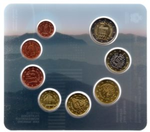 (EUR18.CofBU&FDC.2015.Cof-BU.000000001) Brilliant Uncirculated coin set San Marino 2015 Obverses (zoom)