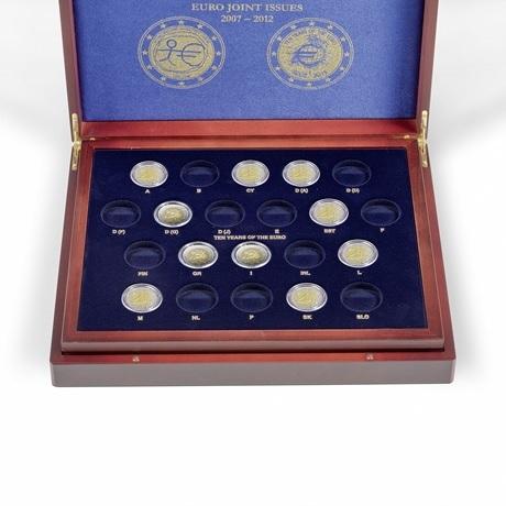 (MAT01.Cofméd&écr.Cof.341810) Coffret Leuchtturm - 2 euro commémoratives 2007, 2009 et 2012 (ouvert)