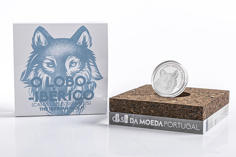 5 euro Portugal 2019 Proof silver - Iberian wolf (packaging) (zoom)