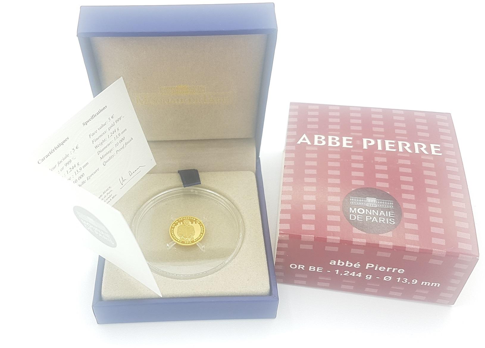 (EUR07.ComBU&BE.2012.10041275210000) 5 euro France 2012 Proof gold - Abbé Pierre Obverse (zoom)