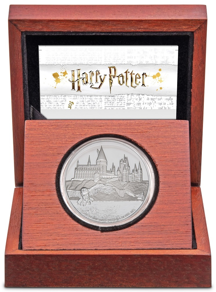 (W160.200.2020.30-00888) 2 Dollars Niue 2020 1 ounce Proof silver - Hogwarts Castle (case) (zoom)