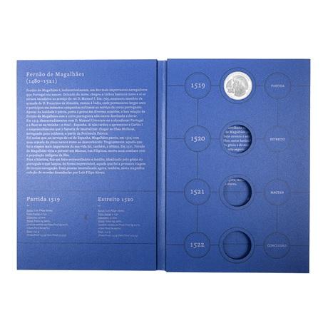 (MAT.INCM.Alb&feu.Alb.7002992) Album collector Monnaie du Portugal - Magellan (ouvert)