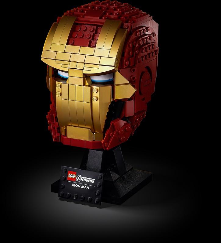 (Lego.Marvel.76165) LEGO Marvel - Iron Man helmet (three-quarter left) (zoom)