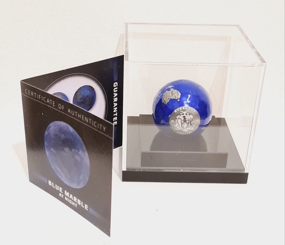 (W022.5.D.2021.3.oz.Ag.2) 5 Dollars Barbados 2021 3 ounces BU Ag - Blue Marble at Night (base) (zoom)
