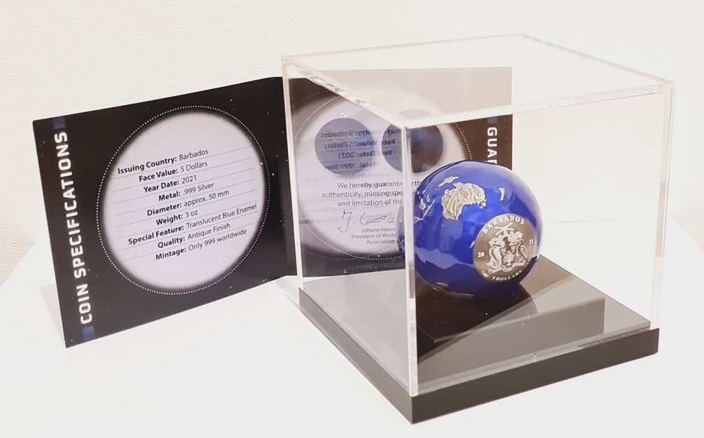 (W022.5.D.2021.3.oz.Ag.2) 5 Dollars Barbados 2021 3 oz BU Ag - Blue Marble at Night (certificate inside) (zoom)