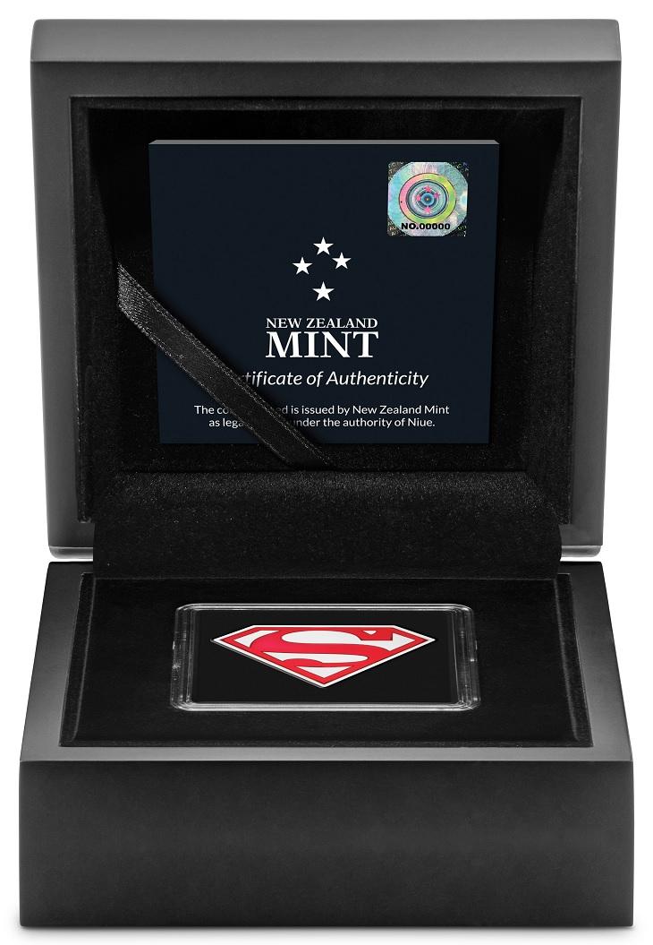 (W160.2.D.2021.30-01067) 2 Dollars Niue 2021 1 oz Proof Ag - Superman Shield (case) (zoom)