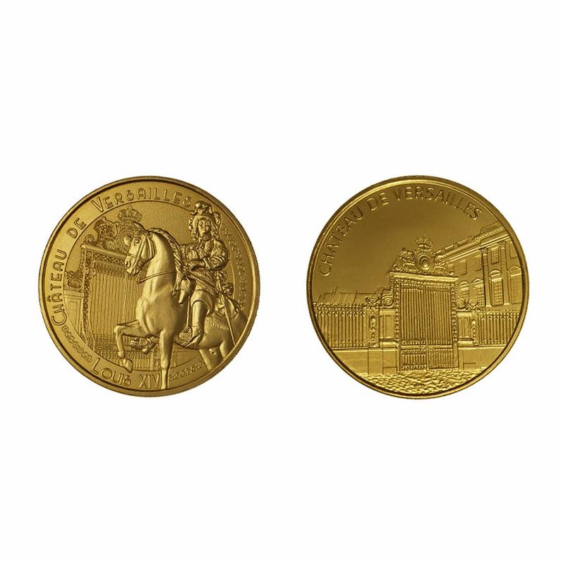 (FMED.Méd.souv.n.d._2021_.3336728455233) Memory token - King Louis XIV and the Versailles castle (zoom)